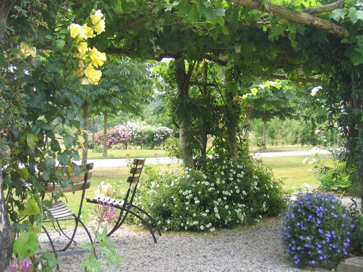 La pergola du jardin de Chaligny à Sainte-Pexine