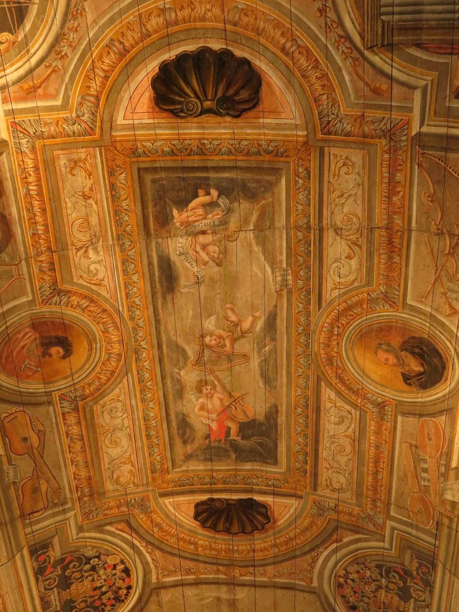 Plafond décoré de la Chapelle des Ursulines