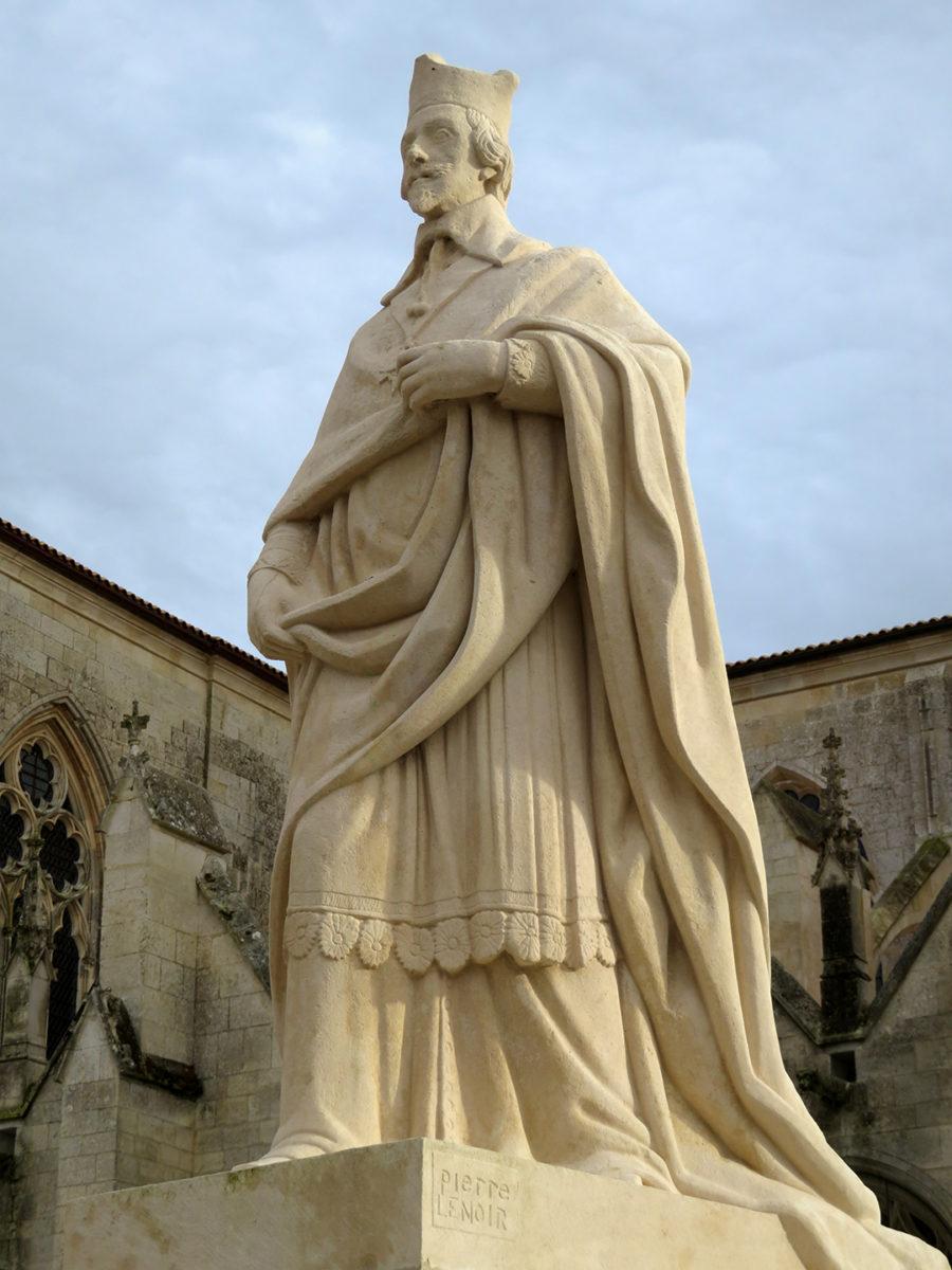 Statue du Cardinal de Richelieu à Luçon