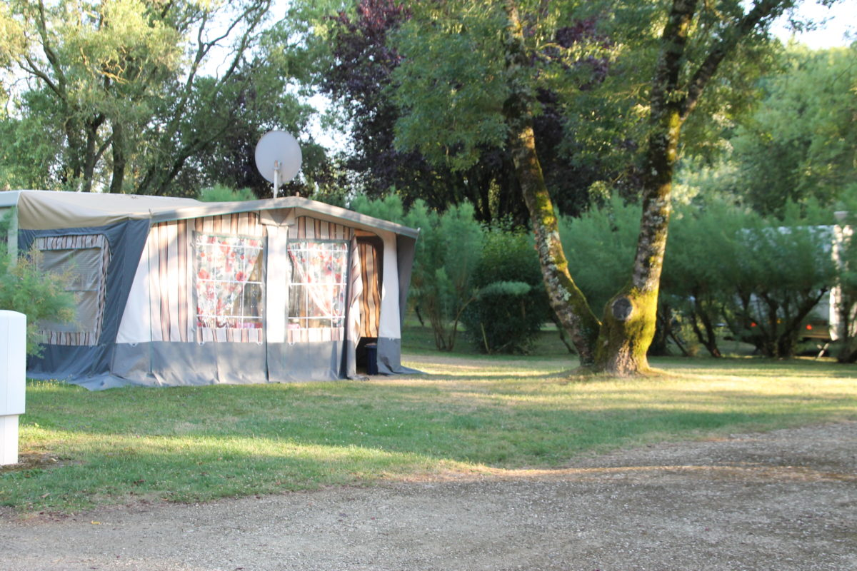 Camping-le-vieux-chene-nalliers-85-hpa (5)
